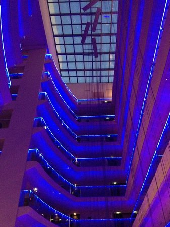 Radisson Blu Hotel Bucharest : patio intérieur