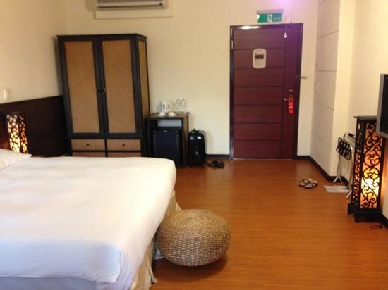Eastern Hotels Resorts Yangmei: spacious room