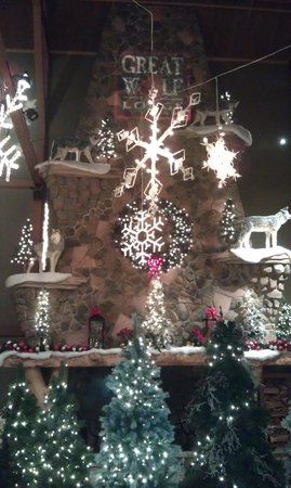 Great Wolf Lodge: Lodge Main room decorated for Christmas