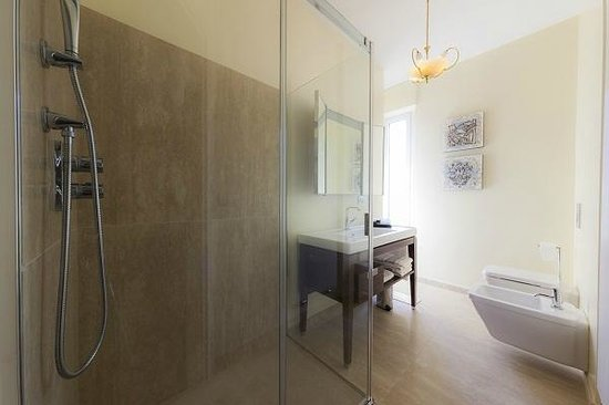 B&B Bronzino House: Bathrooms