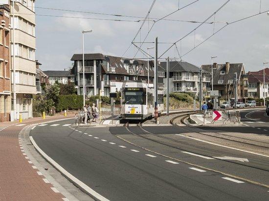 De Panne, Belgien: Chasing down the line