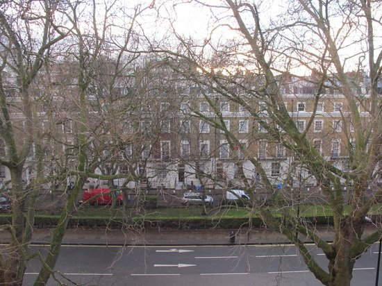 Days Inn London Hyde Park: View from my room
