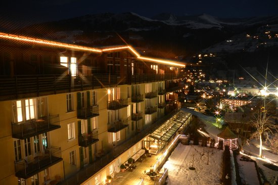 Lenkerhof gourmet spa resort: Zimmeraussicht bei Nacht
