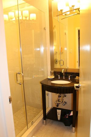 Hotel Metro: Salle de Bains