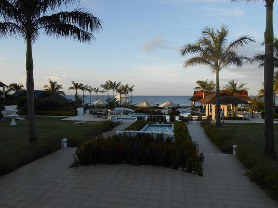 Moon Dance Cliffs: The breathtaking view from the open air lobby...the first view you get when checking-in!