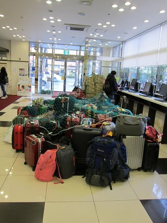 Toyoko Inn Busan Station No.2: 4pm Checkin means bags have to be stored in the lobby!?!