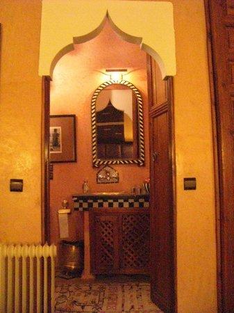 Riad Eden: Vue de la salle de bain