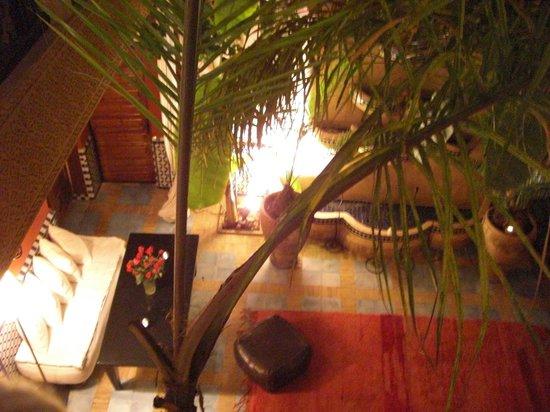 Riad Eden: Vue du 1er étage sur la cour intérieur