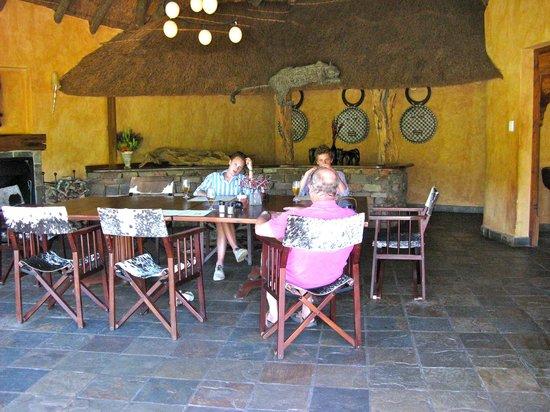 Idwala Game Lodge: Dining area