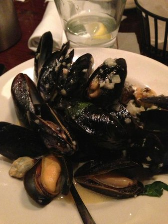 Carrabba's Italian Grill: The Famous Cozze in Bianco