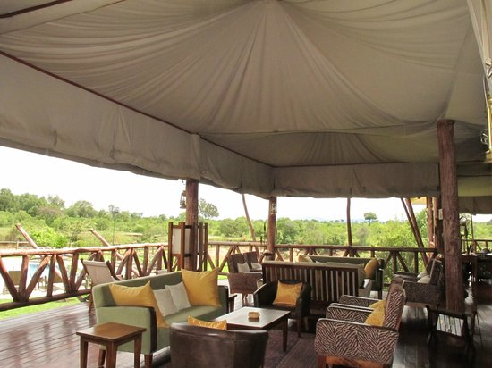 Neptune Mara Rianta Luxury Camp: Another relaxing common area surrounded by nature