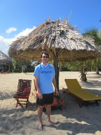 Belizean Dreams Resort: Adam on the beach