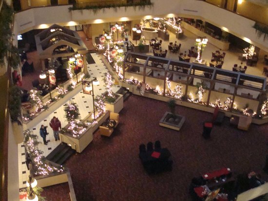 Holiday Inn Rapid City - Rushmore Plaza: Atrium