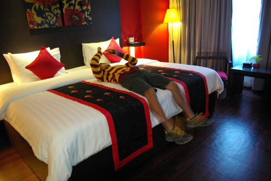 Memoire d' Angkor Boutique Hotel: It is absolutely comfortable with suite room at Memorie d'Angkor