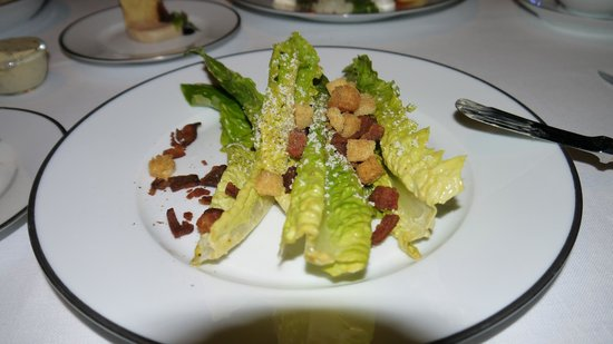 Tables Grill at Grand Hyatt Erawan Hotel: Caesar salad