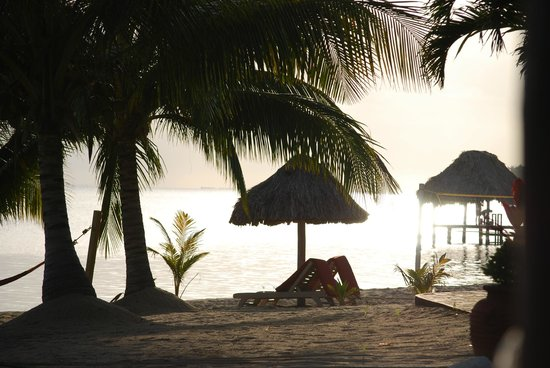 Belizean Dreams Resort: Sunrise Breakfast