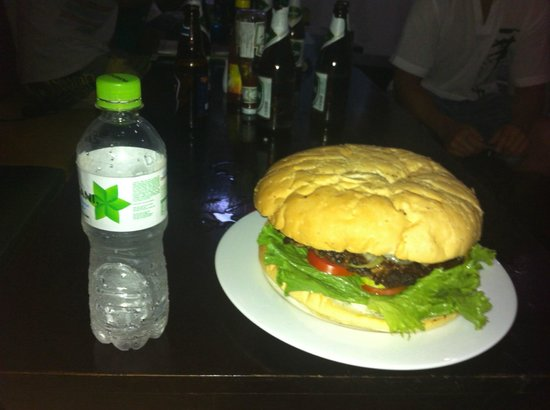 Phat Hamburgers: King of Mui Ne (1.25kg insanity)