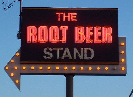 The Root Beer Stand: the sign lit up