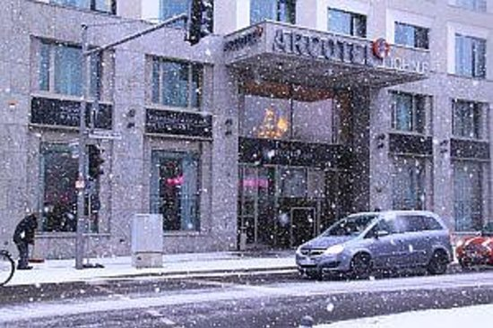 Arcotel John F: snowing in Berlin exterior of arcotel