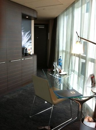 Novotel Barcelona City: Superior suite coffee corner