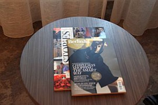Arcotel John F: magazines