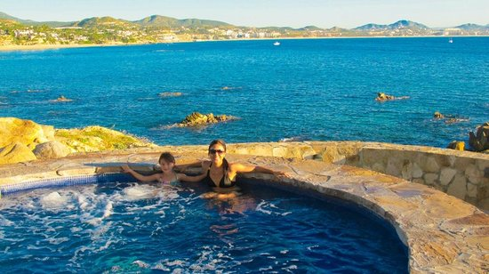 One & Only Palmilla: hot tub