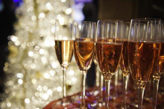 Grosvenor Casino: Enjoy a glass of champagne at the casino