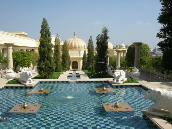 The Oberoi Udaivilas: Splendid garden