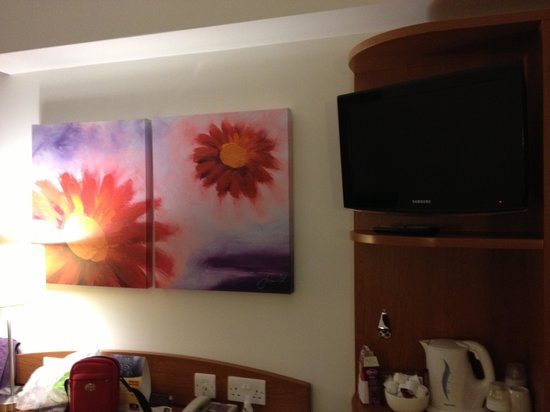 Premier Inn Bradford Central Hotel: Room