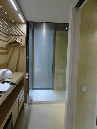 Axel Hotel Barcelona & Urban Spa: Bathroom