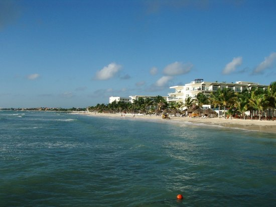 Azul Beach Resort Sensatori Mexico: Beach from the pier