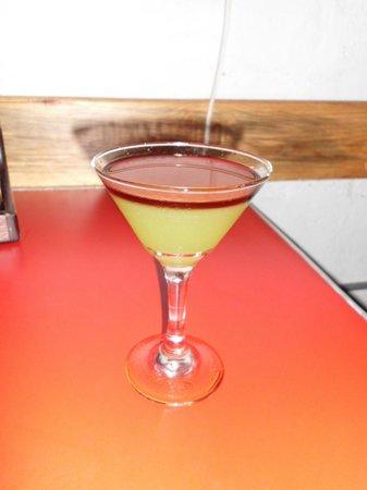 La Mona Centro: Una bebida rara pero deliciosa.