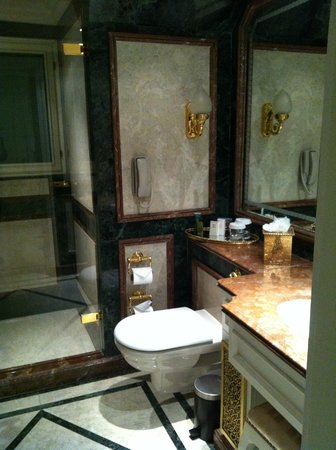 The Bentley London: Bathroom 704