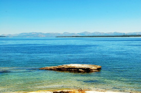 Yellowstone Lake: lake