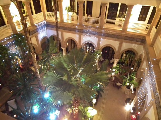 L'Heure Bleue Palais : New Year's Eve Eve lights