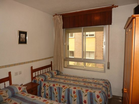 Hostal AB: Triple room