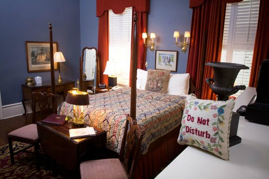 1842 Inn: John Gresham Room
