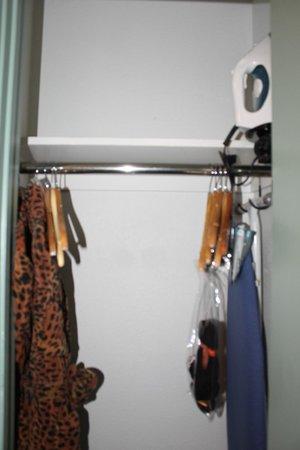 Hotel Triton: closet space