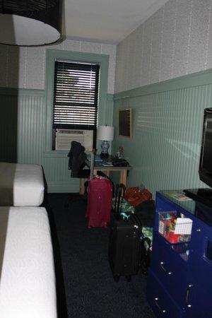 Hotel Triton: room