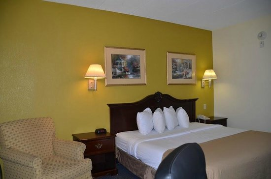 Quality Inn & Suites Worcester : Room