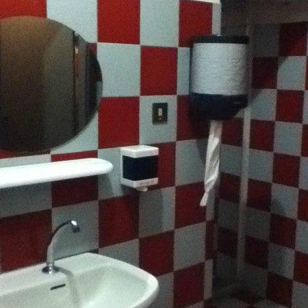 Taverna del Falco: Particolare della Toilette
