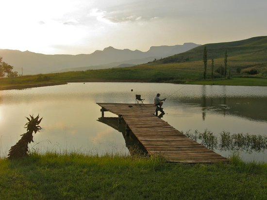 Montusi Mountain Lodge: evening fly fishing