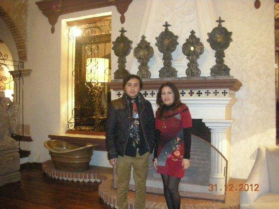 إمبريو دي أنجليس: Sala del hotel 