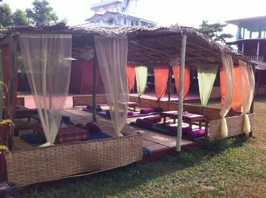 Oasis- Morji Beach Resort: social area