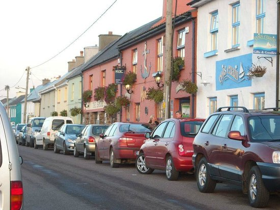 The Moorings Guesthouse: L'hôtel dans le village de Portmagee