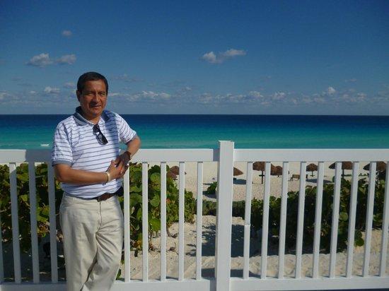 En el Mirador de Playa Delfines