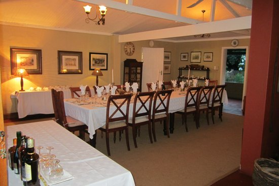 Fugitive's Drift Lodge and Guest House: Dining room