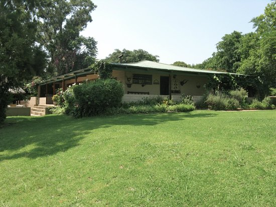 Fugitive's Drift Lodge and Guest House: The main building