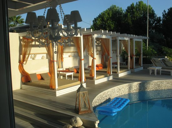 Yacht Boutique Hotel : Piscina