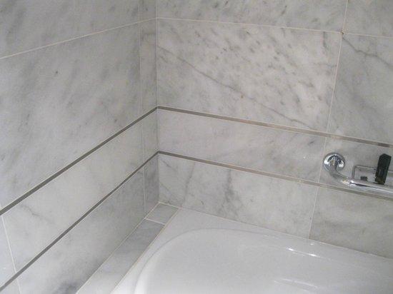 Aldeia dos Capuchos Golf & Spa: Banheiro